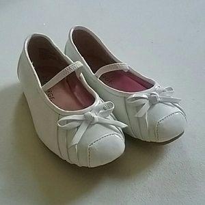 Girl's White Dress Shoes